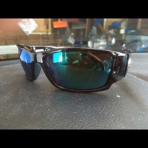 Costa Corbin's 580 glass lenses